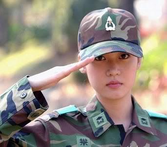 Hoa hậu Hương Giang đi chăn vịt ở Trường Sa Htqfunnyblogspotcom-098