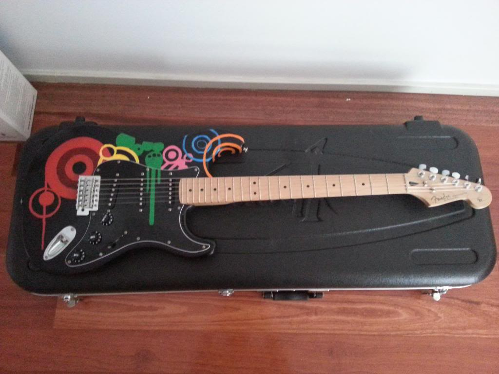 "[PROJECT] Fender Stratocaster SSS ""Mami Model"" - Page 3 20130208_151039_zpsadec1c39"