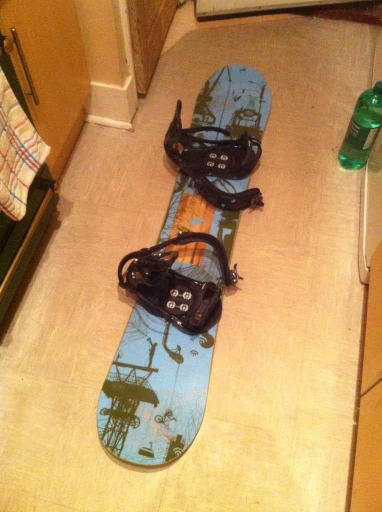 Signal snowboard with k2 bindings  20b16d06