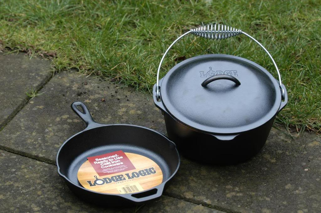 Cooking gear ie pots & pans Lodge