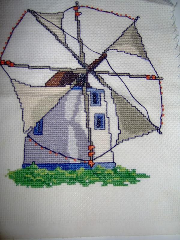 alguns trabalhos meus de ponto cruz Bacalhau014