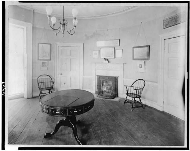 The Octagon House Octagon03