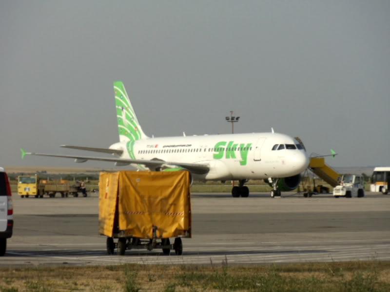 Aeroportul Timisoara (Traian Vuia) - iulie 2011 DSC00582