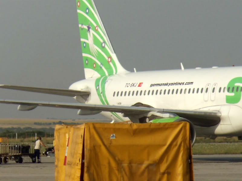 Aeroportul Timisoara (Traian Vuia) - iulie 2011 DSC00583