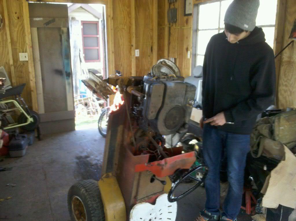 Buddy's IH cub build Motorisout