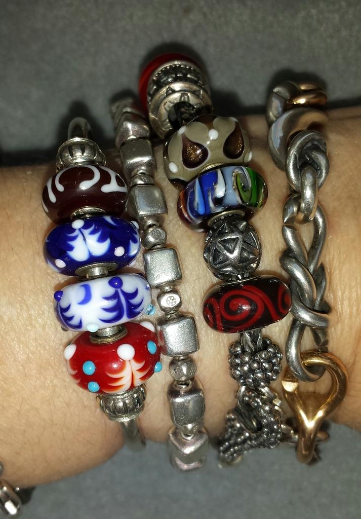 Christmas bracelet 20151221_115414-1_zpsuebho3bm