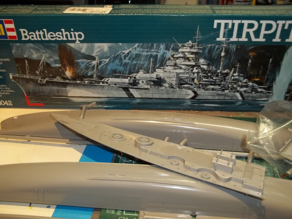 Tirpitz de Revell au 1/570 100_0885