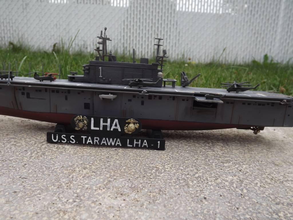 USS Tarawa de Revell au 1/720 DSCF0724