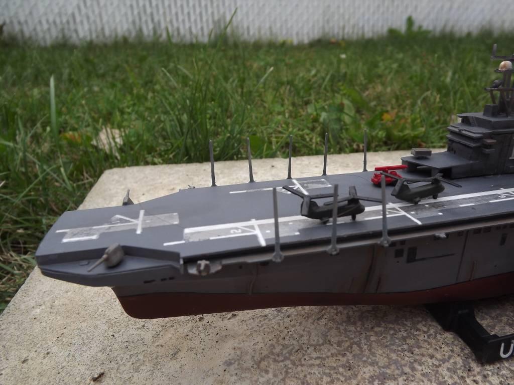 USS Tarawa de Revell au 1/720 DSCF0725