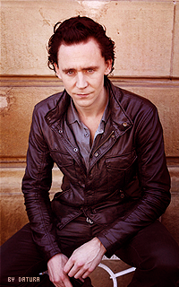 Tom Hiddleston - 200*320 Mly103