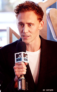 Tom Hiddleston - 200*320 FT27