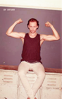Tom Hiddleston - 200*320 Ft11