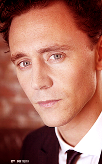 Tom Hiddleston - 200*320 Ft29