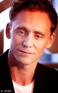 Tom Hiddleston - 200*320 Mil26
