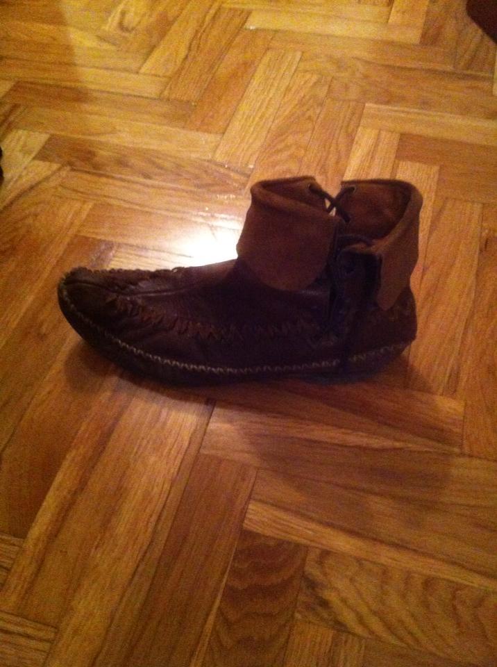 El calzado del supuesto Zapatoalmogaacutevar-1_zpsd0cf4cd3