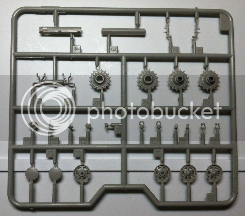 Trumpeter KV-2 Parts2800w_zps5e65bbd4
