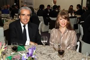 2010-10-14. [ NOTA ] Edith y Lorenzo en la Cena de Gala del Salón del Empresario 2010 Empresario