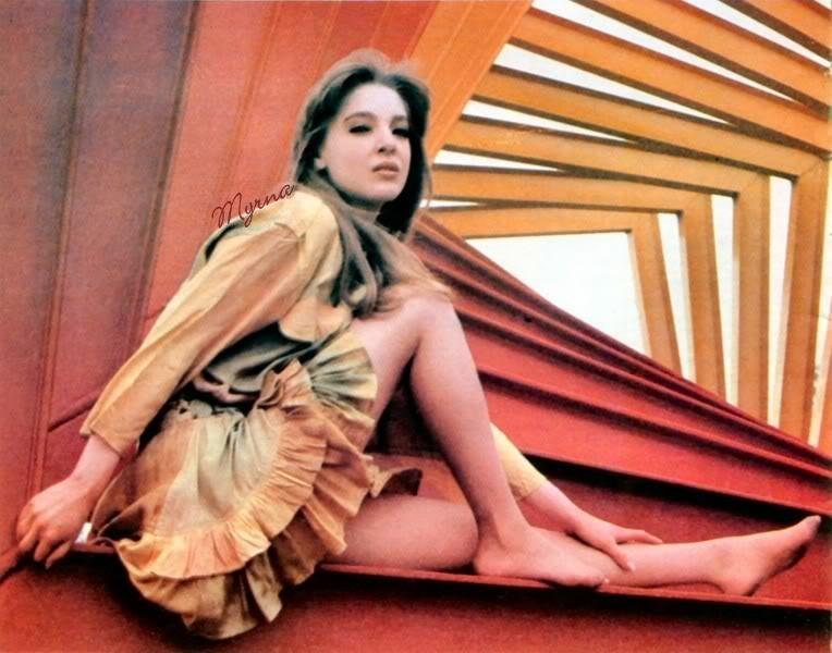 """1989-02. [ FOTOS ] Edith González en la revista """"Estrellas"""" Estrellas1"""