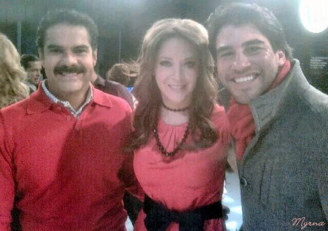 2010-11-30. [ FOTOS ] Grabaciones de los promos navideños de TV Azteca Promos3
