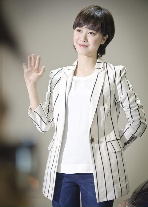 [Photo] Hye Sun tại buổi ra mắt Toyota - Page 3 Toyota3-1