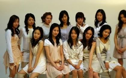Girls' Generation/So Nyeo Shi Dae (SNSD) - Página 2 Tn_1300843743_1228666893_01-1