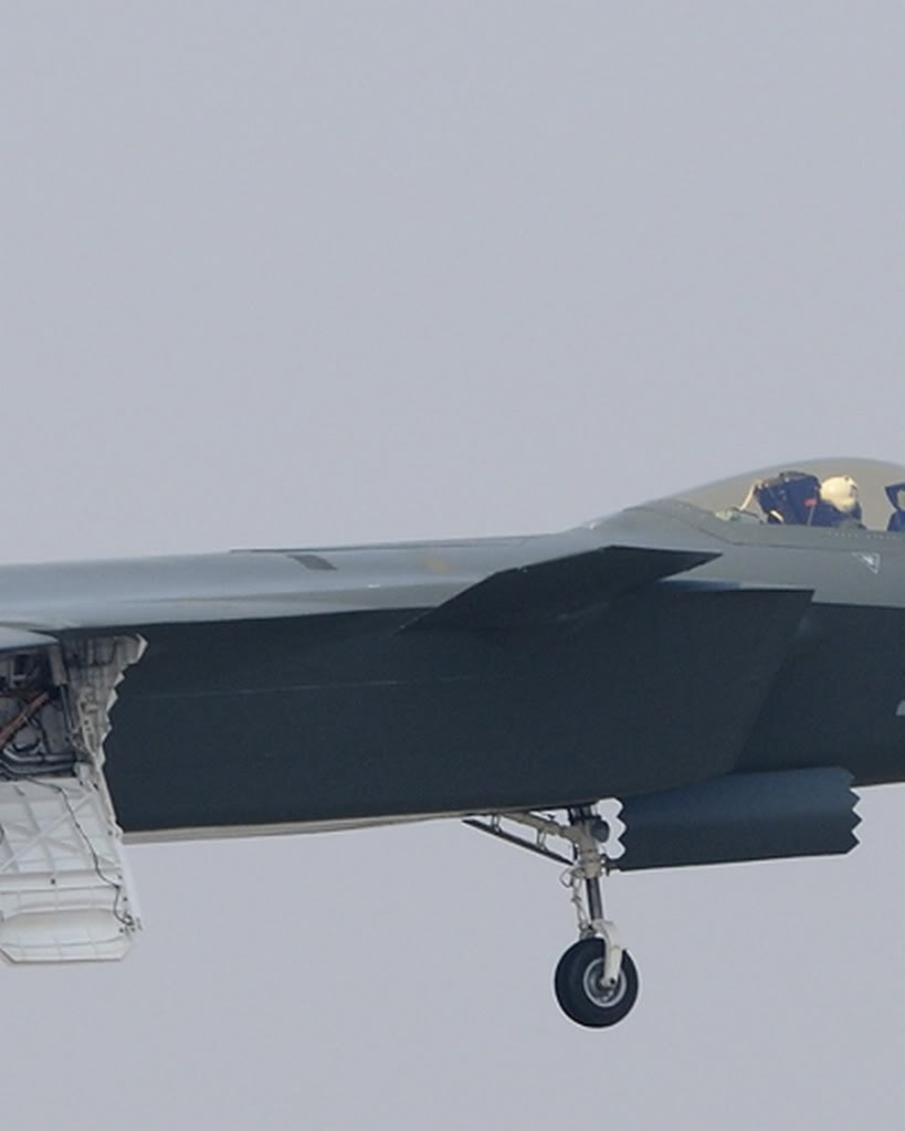Chengdu J-20 Stealth Fighter - Page 2 27_66_eacaca641eb341f