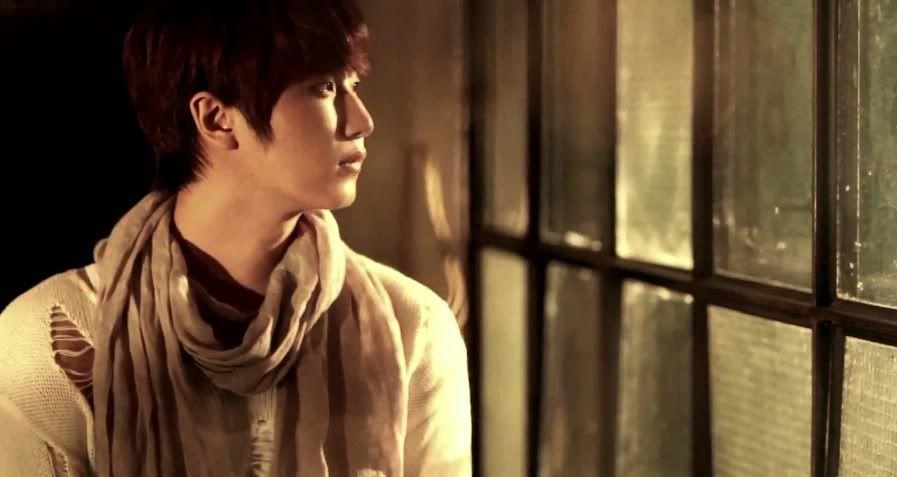[MV] 23/06/2011 - Heo Young Saeng ○ RAINY HEART   Rh04
