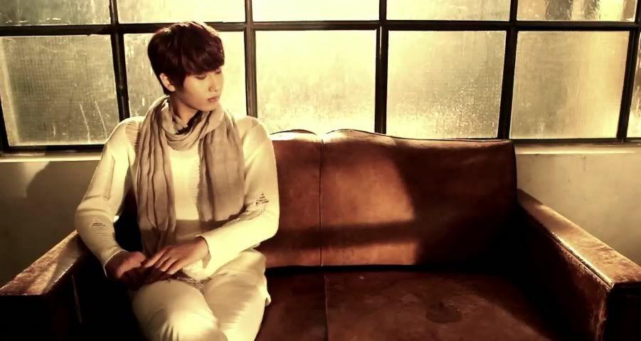 [MV] 23/06/2011 - Heo Young Saeng ○ RAINY HEART   Rh24