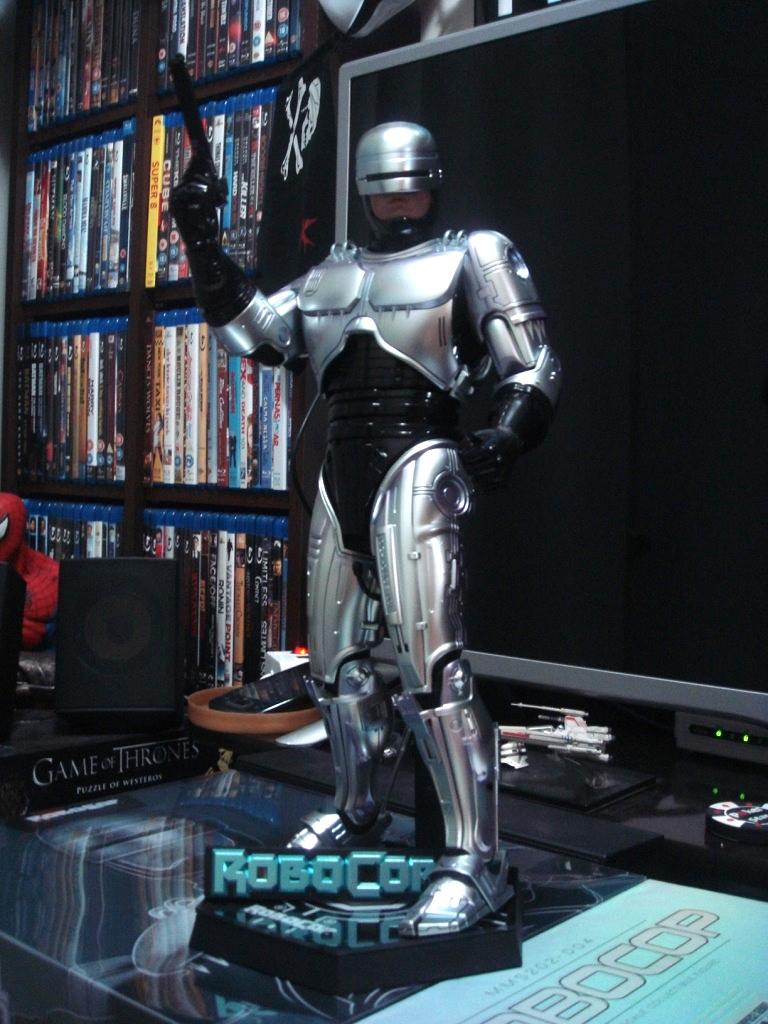 [Hot Toys] RoboCop: 1/6 Diecast RoboCop - LANÇADO!!! - Página 43 46061ac3-463c-4aa6-821e-4671080a4ddd_zps87cc8d18