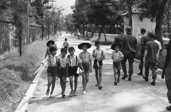 Giáo dục thời Việt Nam Cộng Hòa - Page 3 GD015