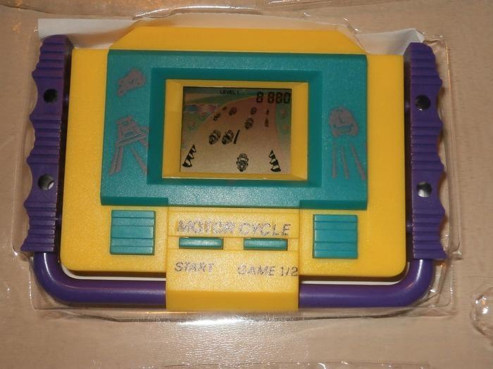 Sto cercando(cerco) i vecchi giochi che ho avuto durante l'infanzia C1f4a796-09d5-11e4-964e-ceaa46e75f1e_zpsjkzzanmb