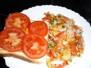 Arroz con Tomate ( Cơm rau thập cẩm ) Arroz-con-tomate-300x225