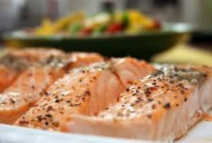 Cá hồi nướng với rau mùi tây Salmon-al-perejil