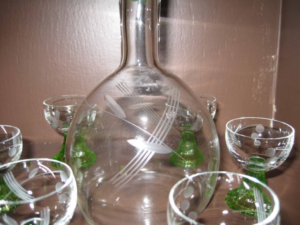 Please help identify this decanter set? McKenzieEstate024