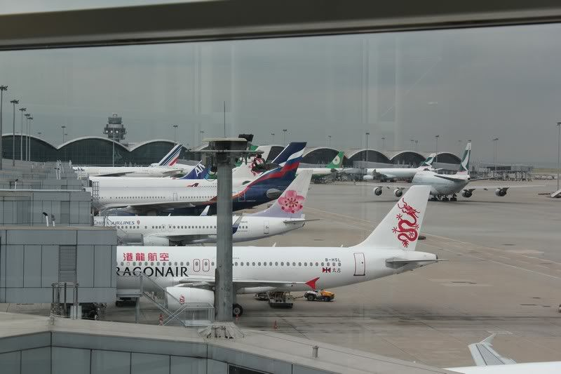 Chek Lap Kok Airport  IMG_2199camera