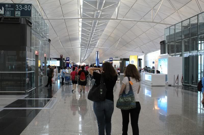 Chek Lap Kok Airport  IMG_2214camera