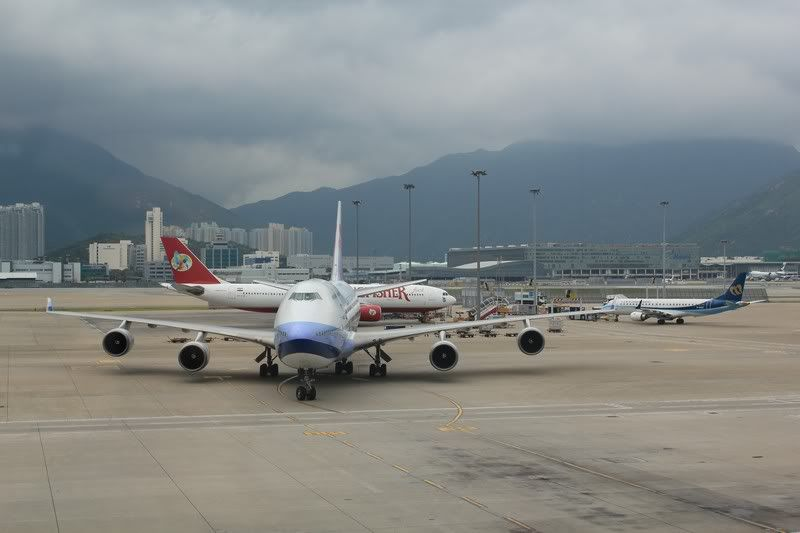 Chek Lap Kok Airport  IMG_2225camera