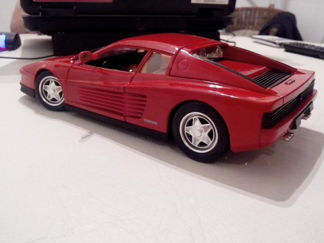 Ferrari Testarossa 1/18. IMG_20140314_221623