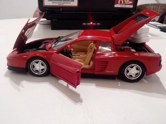 Ferrari Testarossa 1/18. IMG_20140314_221801