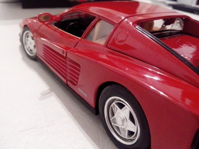 Ferrari Testarossa 1/18. IMG_20140314_221835