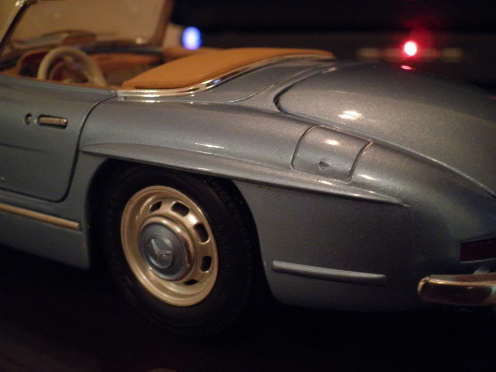 MERCEDES BENZ 300 SL ROADSTER JUAN MANUEL FANGIO- P2200801
