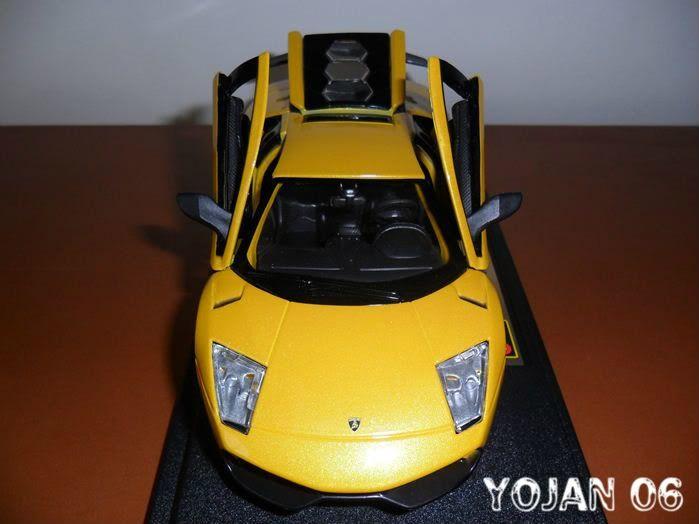 Lamborghini Murcielago LP670-4 SV, escala 1:24 SAM_0212