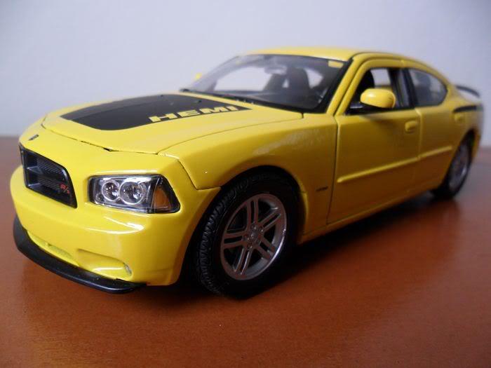 Dodge Charger R/T, escala 1/24 SAM_0351