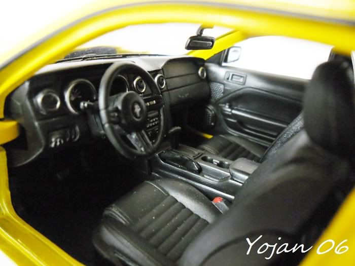 Ford Mustang GT 2005 - 1:24 SAM_0401-1