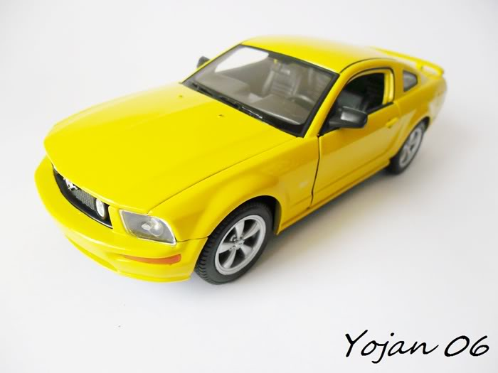 Ford Mustang GT 2005 - 1:24 SAM_0420