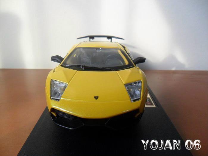 Lamborghini Murcielago LP670-4 SV, escala 1:24 SAM_0689