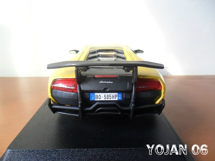 Lamborghini Murcielago LP670-4 SV, escala 1:24 SAM_0690