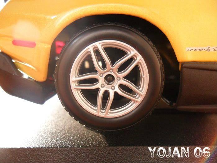 Lamborghini Murcielago LP670-4 SV, escala 1:24 SAM_0691