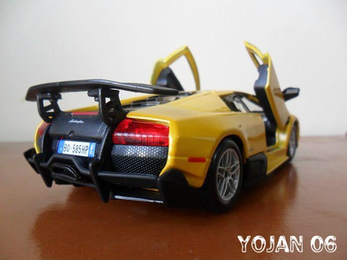 Lamborghini Murcielago LP670-4 SV, escala 1:24 SAM_0763
