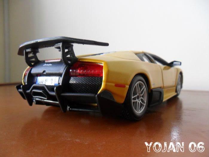 Lamborghini Murcielago LP670-4 SV, escala 1:24 SAM_0765
